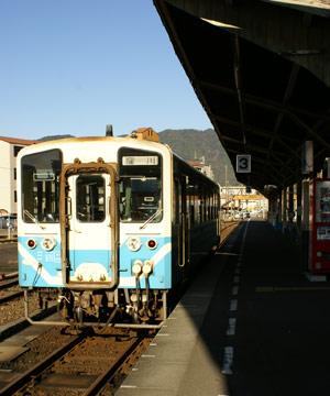 予土線の電車