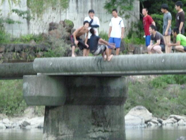 沈下橋からのジャンプ