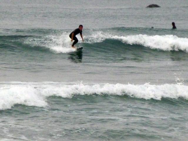 入野海岸 高知の西で波乗りができ る有名 な海