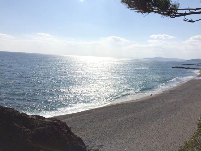 巨大な龍馬像が見られる桂浜