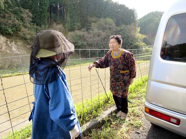 地域の農家さんと雑談