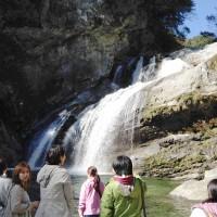 アメガエリの滝