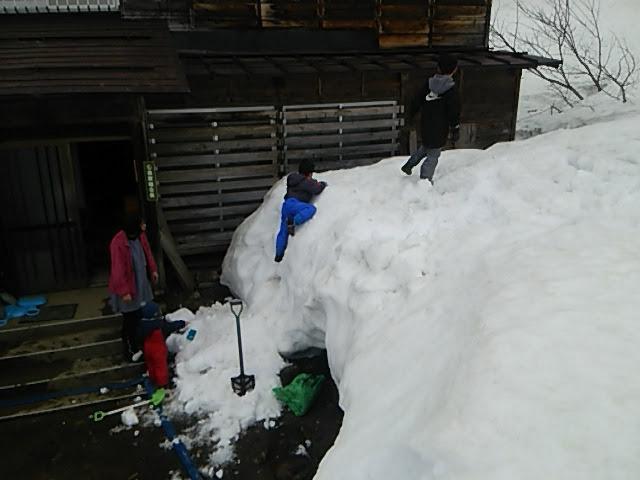 雪のアスレチック