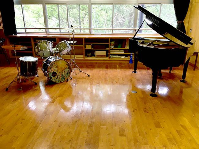 ドラムとピアノ、プチライブ