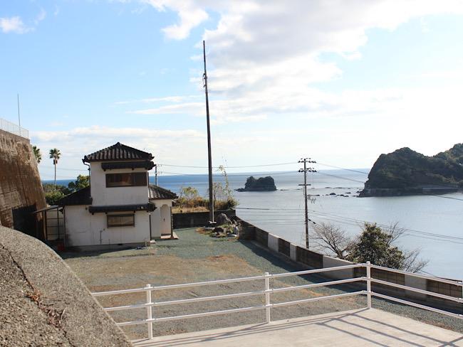 海沿いの家